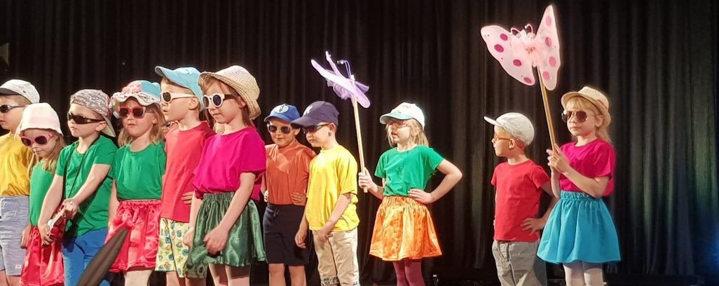 Przedszkolaki z morza i marzeń oraz piosenki morzem malowane